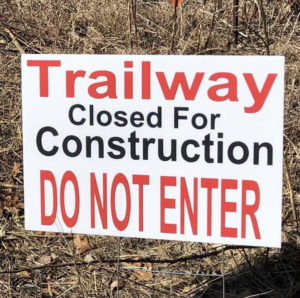 Trailway CLOSED sign